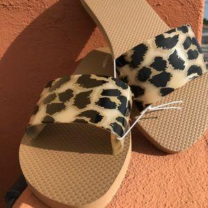 Old Navy Leopard Print Jelly Flip Flops